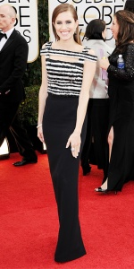 Allison Williams in Alexandra Mcqueen