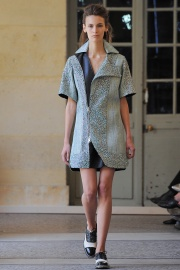 bouchra-jarrar-couture-fall-2014-01_131330564269.jpg_collection_grid_tn