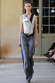bouchra-jarrar-couture-fall-2014-02_131331610105.jpg_collection_grid_tn