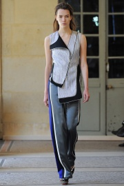 bouchra-jarrar-couture-fall-2014-05_131334483863.jpg_collection_grid_tn