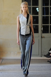 bouchra-jarrar-couture-fall-2014-08_131336613703.jpg_collection_grid_tn