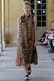bouchra-jarrar-couture-fall-2014-09_13133783407.jpg_collection_grid_tn