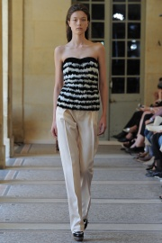 bouchra-jarrar-couture-fall-2014-11_131339739883.jpg_collection_grid_tn