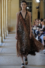 bouchra-jarrar-couture-fall-2014-12_131340790445.jpg_collection_grid_tn