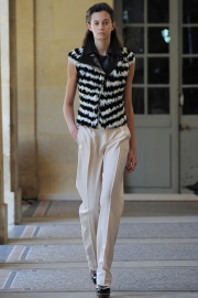 bouchra-jarrar-couture-fall-2014-16_131344589281.jpg_collection_grid_tn