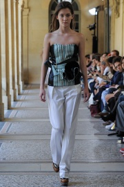 bouchra-jarrar-couture-fall-2014-18_131345608491.jpg_collection_grid_tn