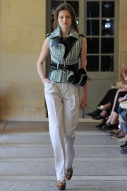 bouchra-jarrar-couture-fall-2014-19_131346522801.jpg_collection_grid_tn