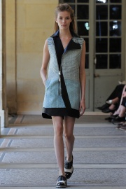bouchra-jarrar-couture-fall-2014-21_131348876702.jpg_collection_grid_tn