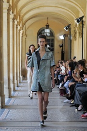bouchra-jarrar-couture-fall-2014-24_131351714631.jpg_collection_grid_tn
