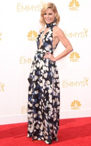 JULIE BOWEN In Peter Som