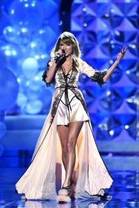 Musical guest Taylor Swift